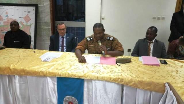 Le Colonel Xavier Blaise Ouedraogo (micro) à clôturé la formation