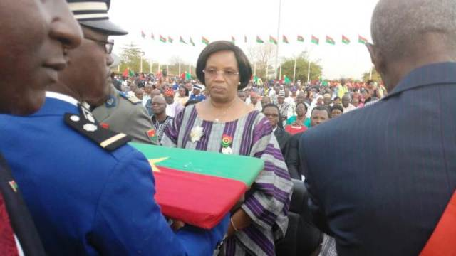 L'ancien Médiateur du Faso Alima Deborah Traoré à été élevée Grand officier de l'ordre national