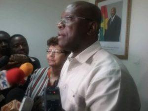 Le ministre de la Communication et des relations avec le Parlement, Rémis Fulgance Dandjinou