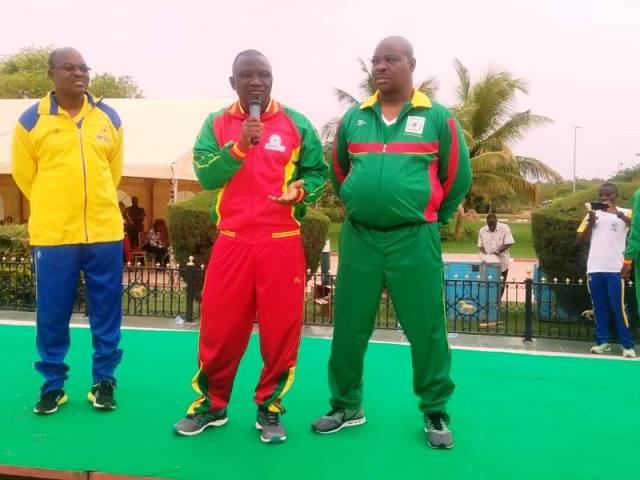 Le Ministre des Sports et Loisirs Daouda Azoupiou (au milieu) à cloturé la séance d'aérobic