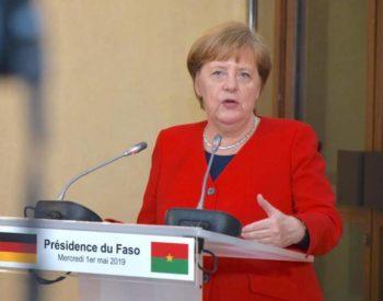 Politique: L'Allemagne fait ses adieux à  Angela Merkel