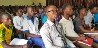 Entreprenariat-les-etudiants-à-l'écoles-de-l'auto-emplois