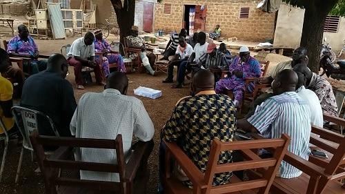 Fonds -Minier-de-developpement-la coalition -CAMJ-et-CCJ-rencontre-la communauté coutumière -de la commune -de-houndé