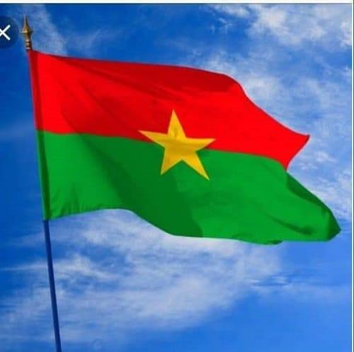 Burkina-outrage-drapeau