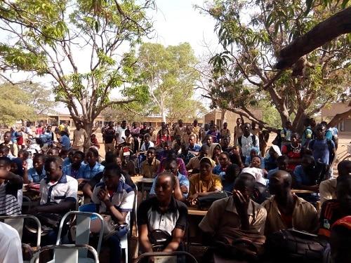 Gaoua-élèves-grève
