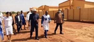 Logements- sociaux- grâce- à -Abdoul –service- international- des -travailleurs –de- l'ONEA –se- frottent- les- mains