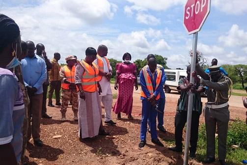 Manga-des- panneaux- de- signalisation- pour- renforcer- la –sécurité- routière