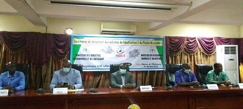 Burkina- vers –une- labélisation- du- « poulet -bicyclette »