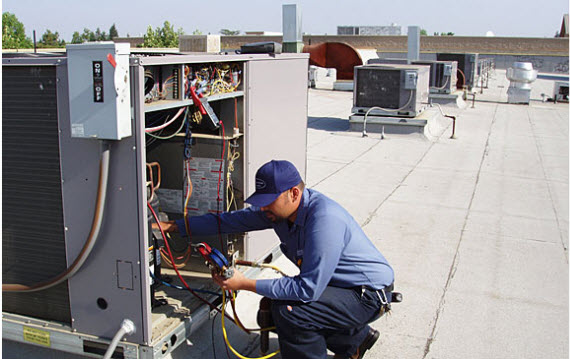Commercial rooftop air conditioning repair