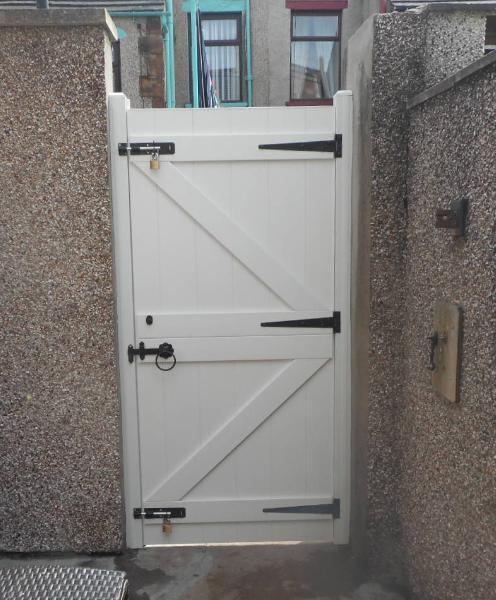 PVC Gate | Plastic Gate | PVC Side Gate | PVC Gates | Plastic Gates | Faster Plastics