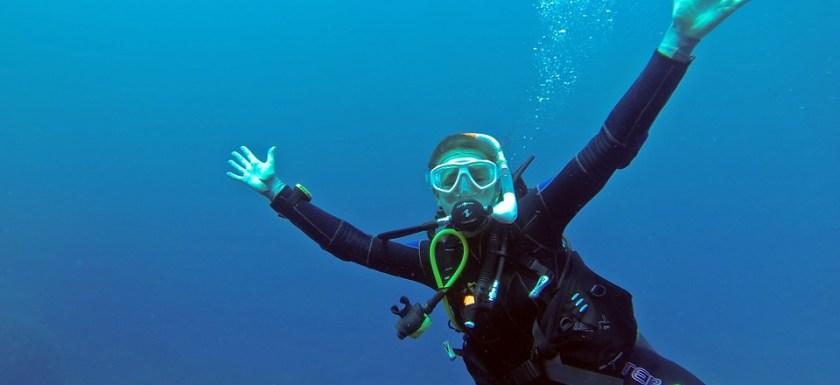 scuba mask diver