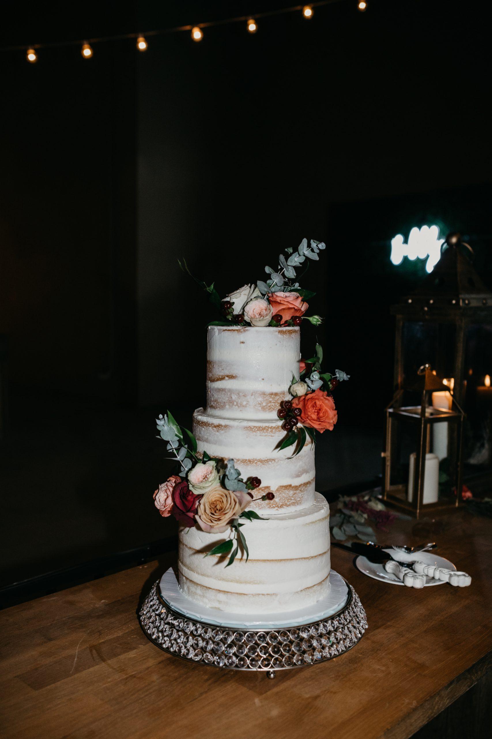 Naked Wedding Cake, image by Fatima Elreda Photo