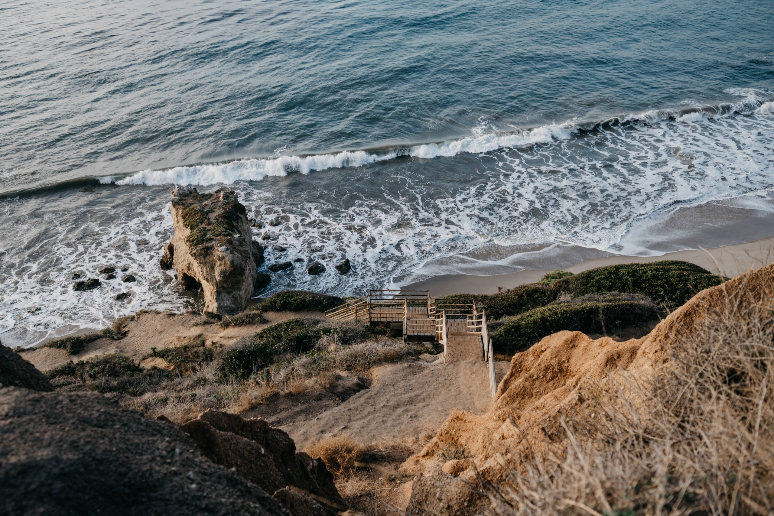 El Matador Beach Desktop Wallpaper, image by Fatima Elreda Photo