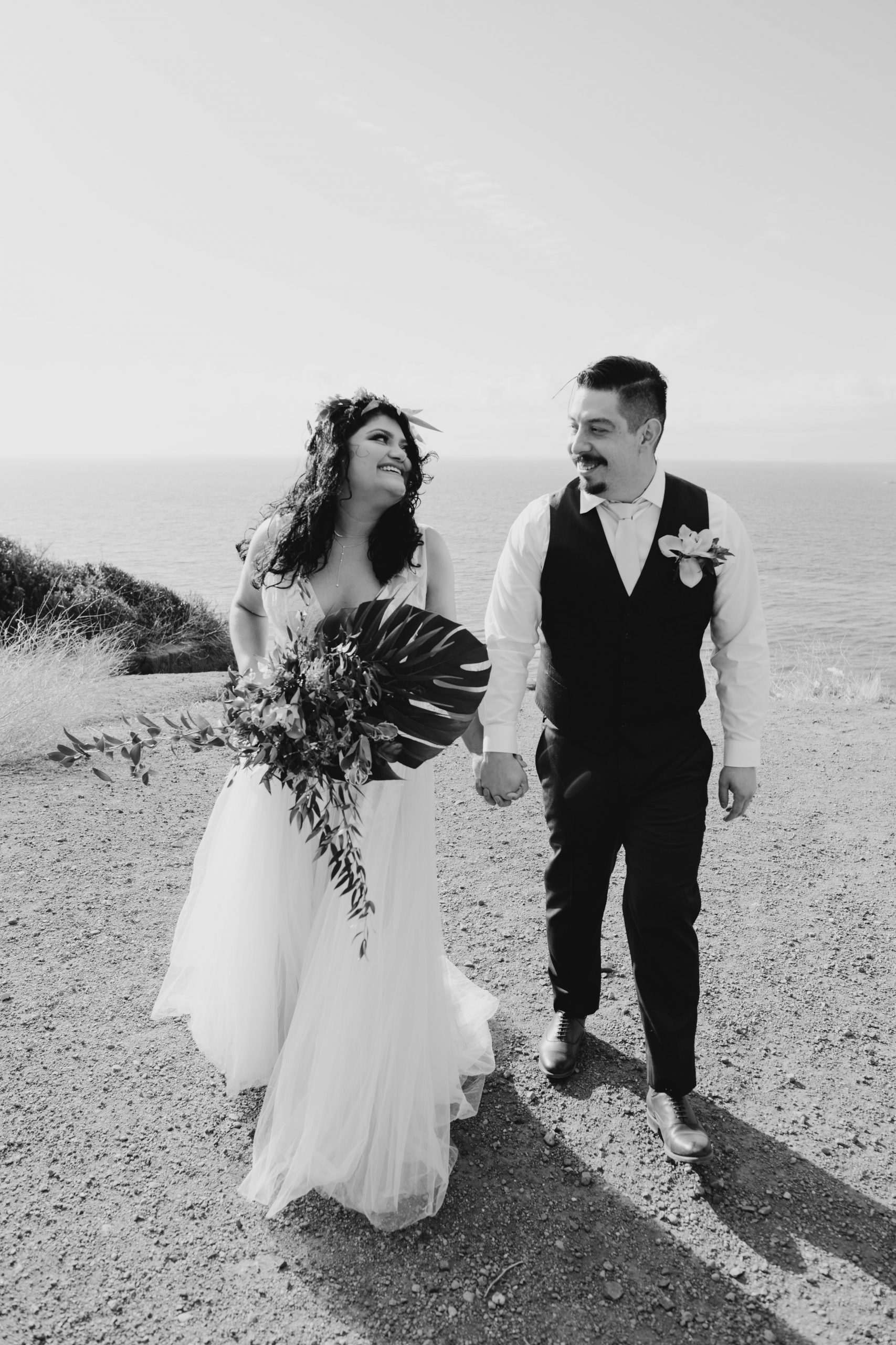 Bride and Groom black and white portrait, image by Fatima Elreda Photo