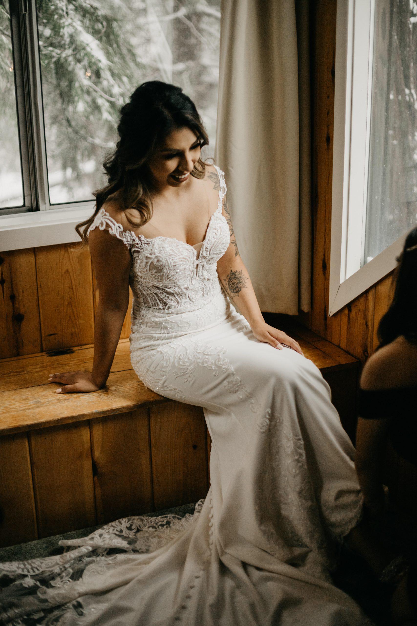 Bride getting ready, image by Fatima Elreda Photo