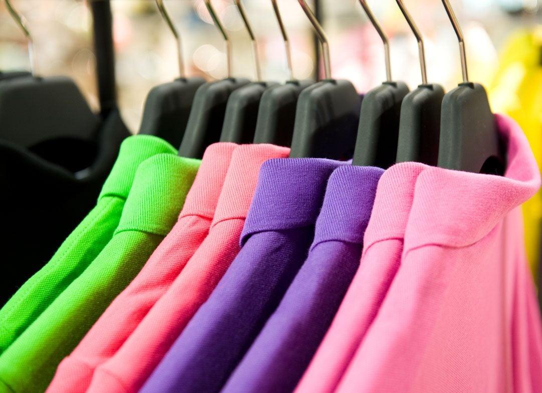 Como a lavagem de roupas a seco limpa se ela é seca?