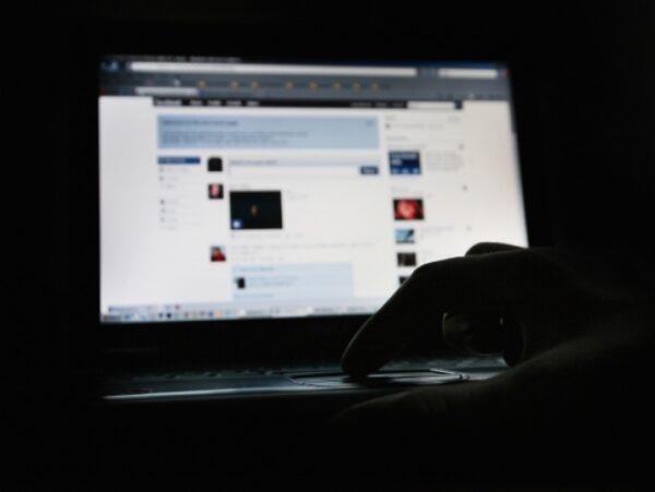 thumb-1024-5.-que-plano-de-acao-voce-criaria-se-voce-percebesse-que-o-upload-de-fotos-no-facebook-caiu-em-50--resized