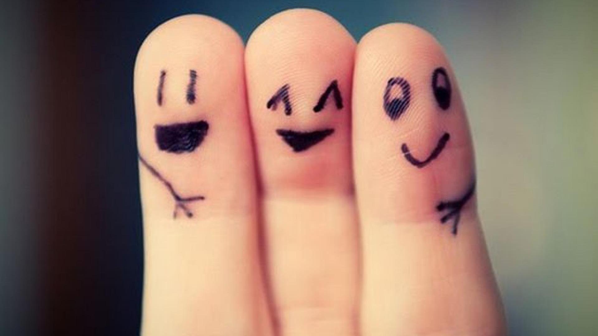 4 maneiras surpreendentes que seus amigos podem te influenciar