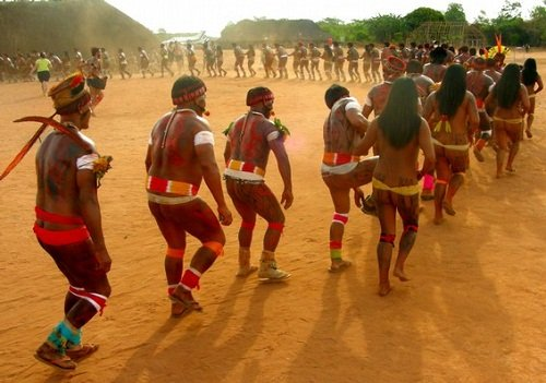 Indios-dançando