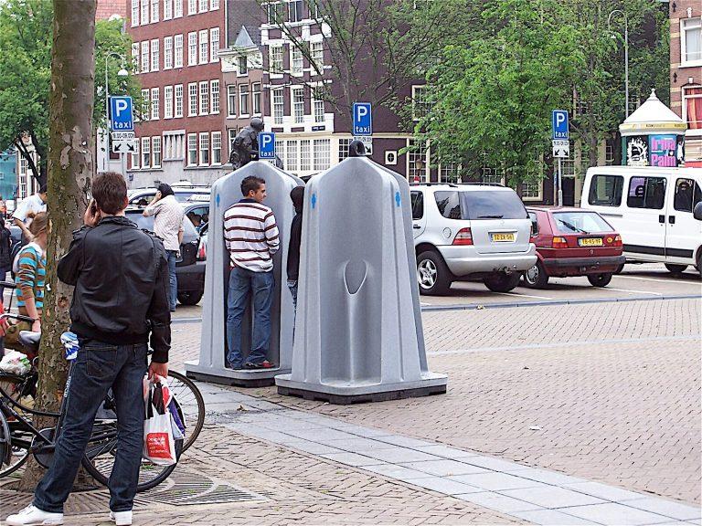 30 banheiros públicos espalhados pelo mundo que mostram os contrastes das nações