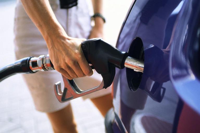 Verdade ou mentira: Por que dizem ser melhor abastecer o carro pela manhã?