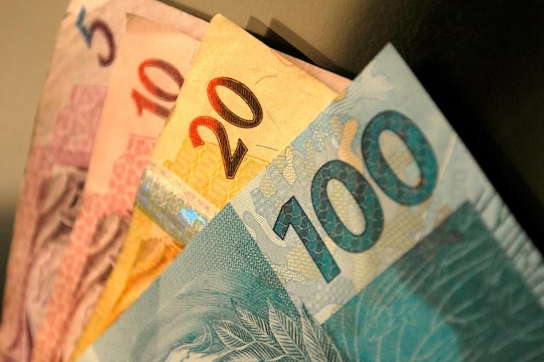 Qual é o salário mínimo ideal para o brasileiro?