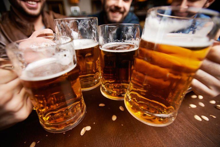 8 sinais de que você pode estar se tornando alcoólatra