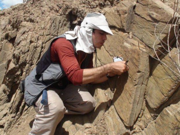 geologo estuda diferentes