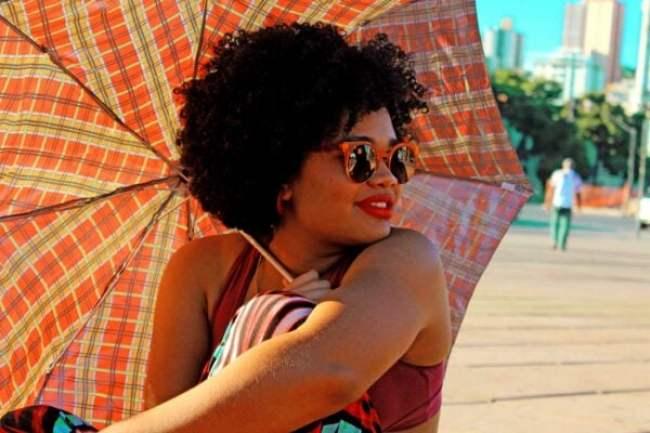 laura-divando-cabelo-crespo-feminismo-e-identidade