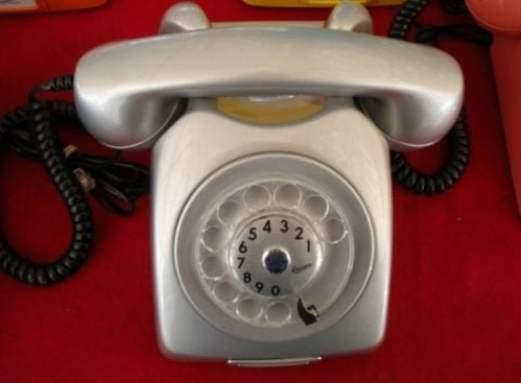 telefone-anos-80-2-telefone-ericsson-prata-mod-dlg