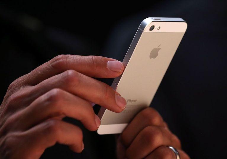 7 coisas que todo mundo que está namorando esconde no celular