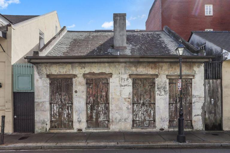 O verdadeiro interior desta antiga casa vai te surpreender!