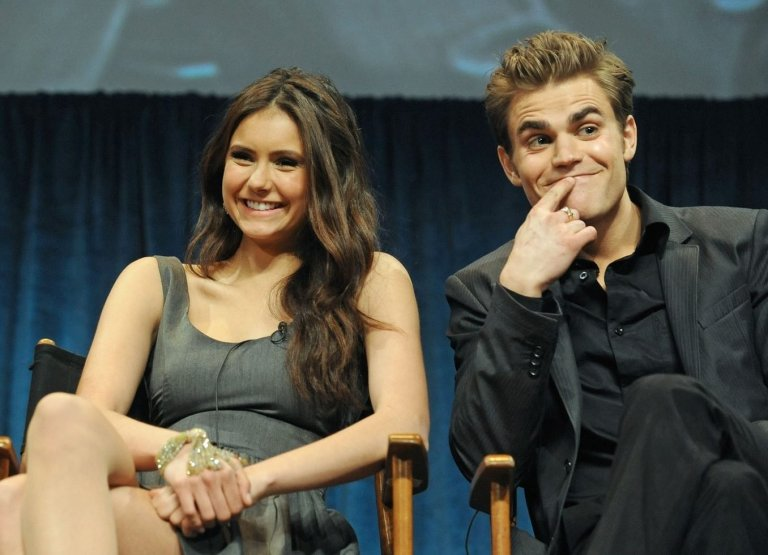 Paul Wesley e Nina Dobrev de The Vampire Diaries podem estar namorando secretamente [Rumor]