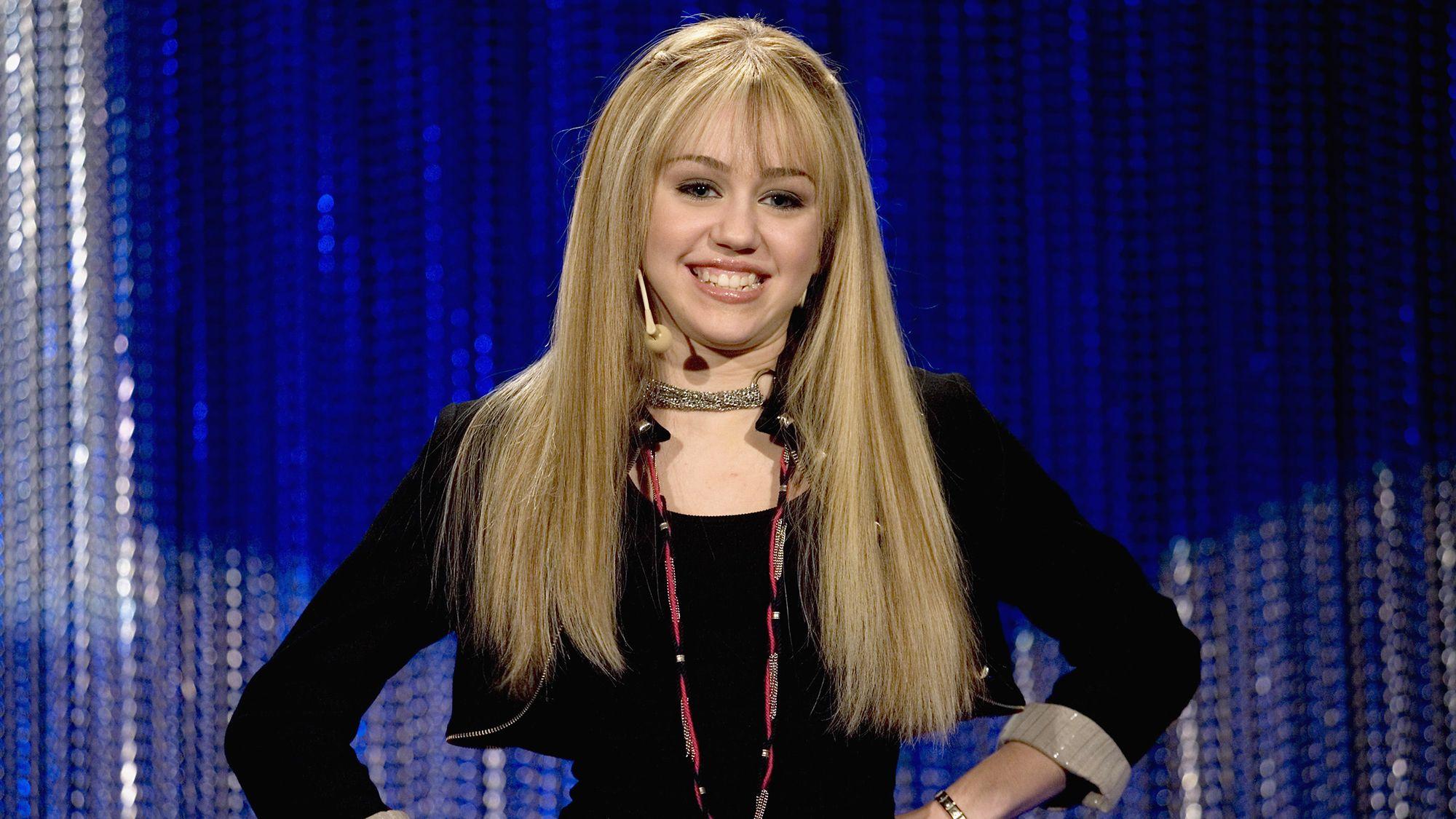 """Avó de Miley Cyrus revela problemas da cantora com atriz de """"Hannah Montana"""""""