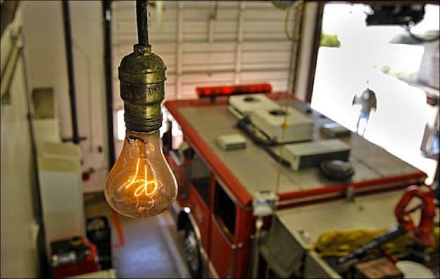 Uma lâmpada que está acesa desde 1901 e nunca apagou, será que é possível mesmo?