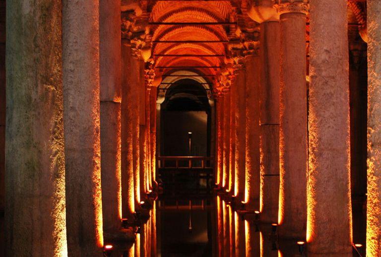 7 cidades famosas com segredos obscuros escondidos no seu subterrâneo