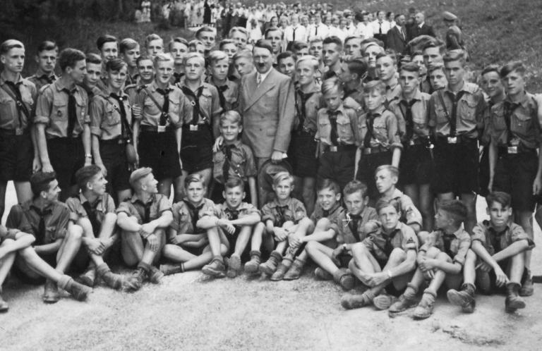 7 coisas que as 'crianças de Hitler' aprendiam