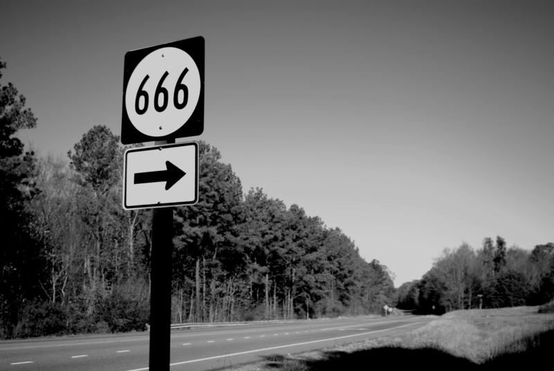 7 estradas mais assustadoras que qualquer assombração