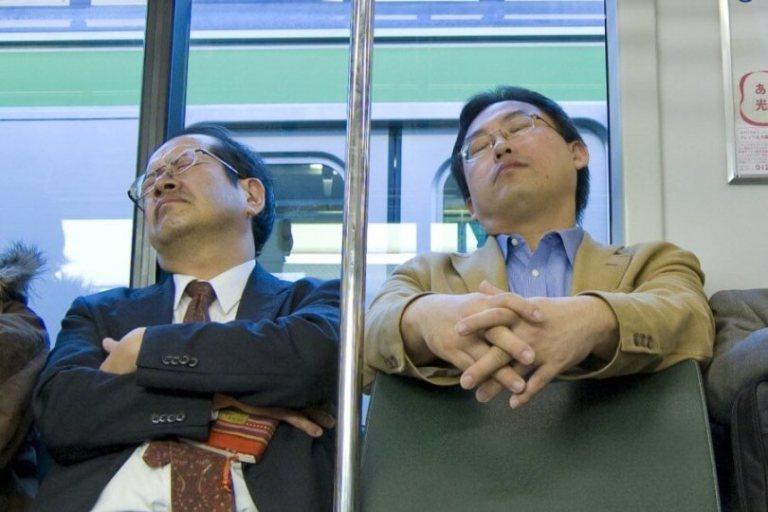 7 hábitos de sono inusitados em diferentes partes do mundo