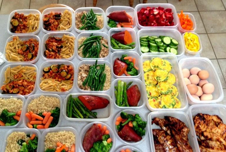 7 maneiras de parar de gastar 'fortunas' com comida