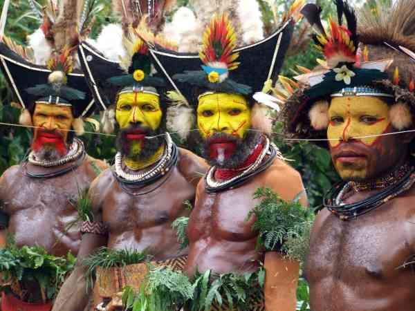 PNG 31 Huli Wigmen New Guinea June2009 C V. Ross 600x450, Fatos Desconhecidos