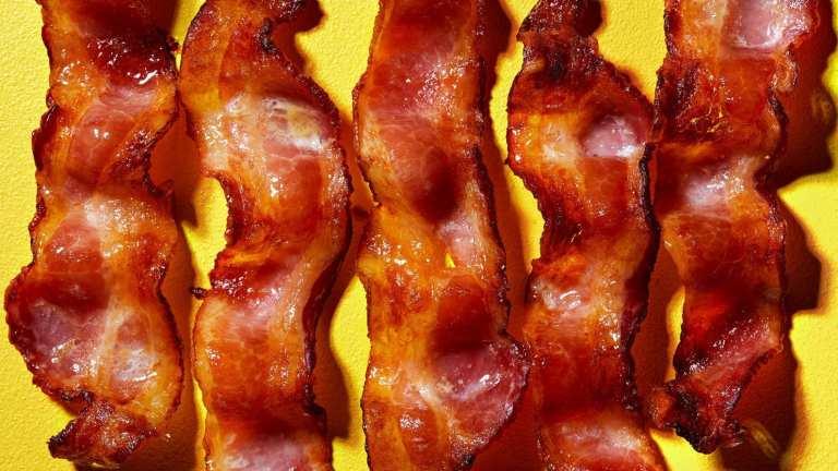 Entenda como carnes processadas podem estar ligadas a problemas psicológicos