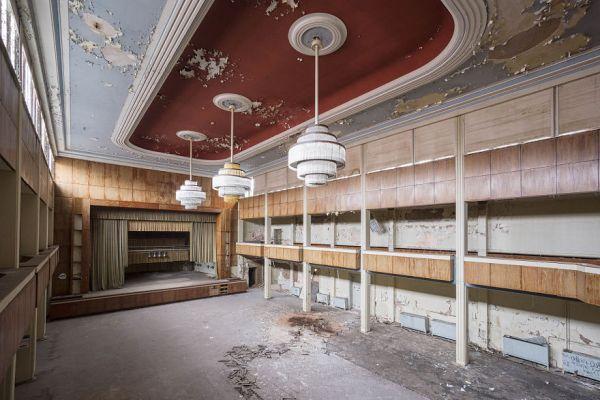 Abandoned Theatre In Germany 2017 5b15271e19c8c  880 600x400, Fatos Desconhecidos