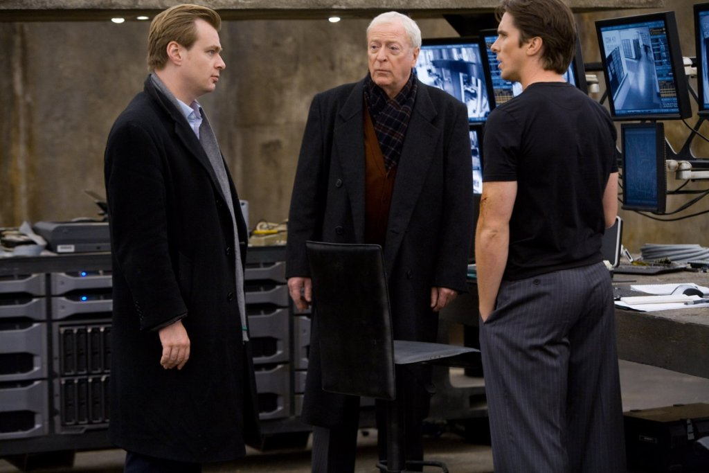 Christian Bale Michael Caine And Christopher Nolan In The Dark Knight 2008 1024x683, Fatos Desconhecidos