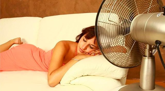 Dormir com um ventilador no quarto pode não ser saudável