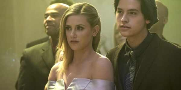 Lili Reinhart As Betty Cooper And Cole Sprouse As Jughead Jones In Riverdale 600x300, Fatos Desconhecidos