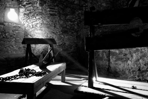 7 imagens que registram como eram os crimes e punições antigamente