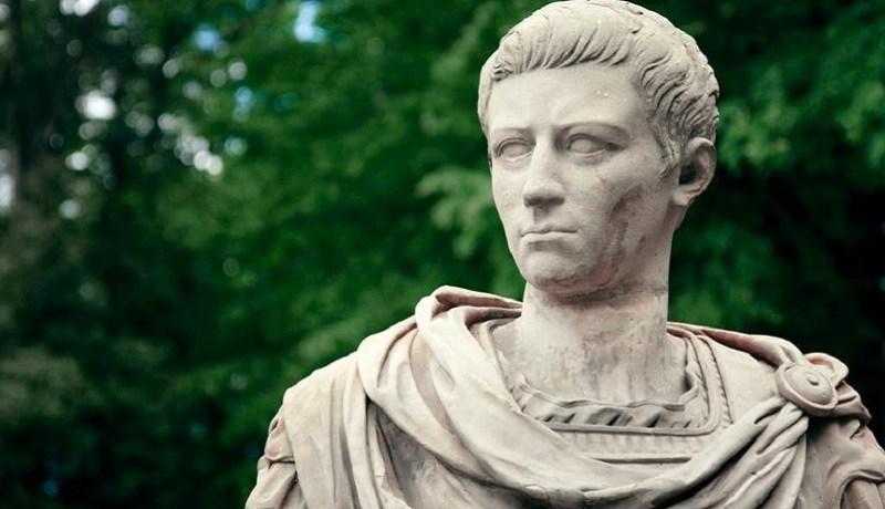 7 coisas surreais que a realeza fez no passado