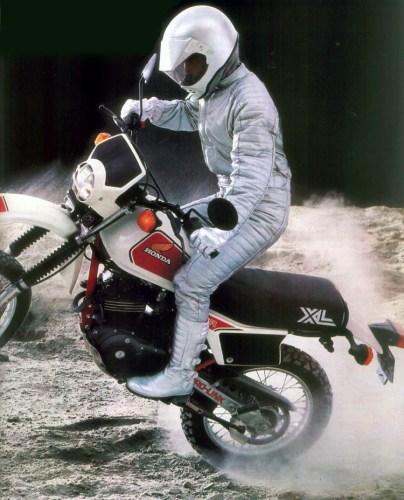 Moto 404x500, Fatos Desconhecidos