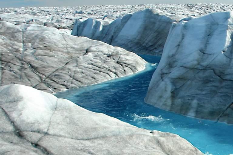Entenda como o degelo da Groenlândia está mudando o eixo da Terra